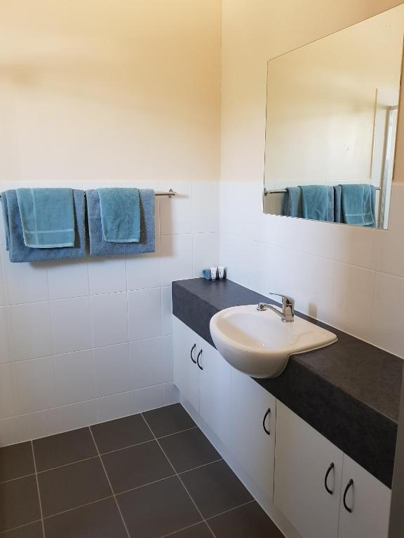 Double room with private bathroom motel