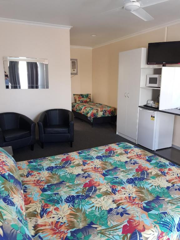 twin room with private bathroom motel